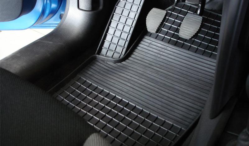Как выбрать коврик в авто: важные критерии