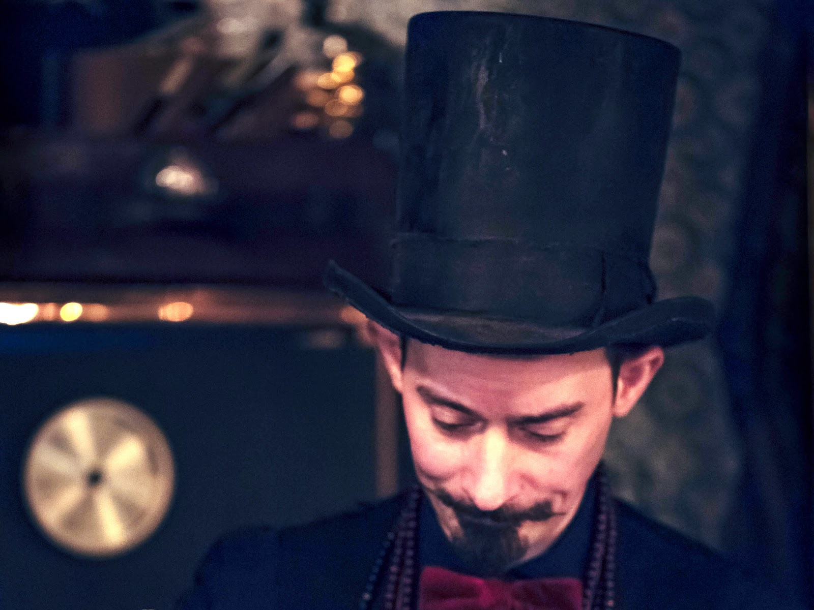 How to Make a Top Hat In 5 Steps