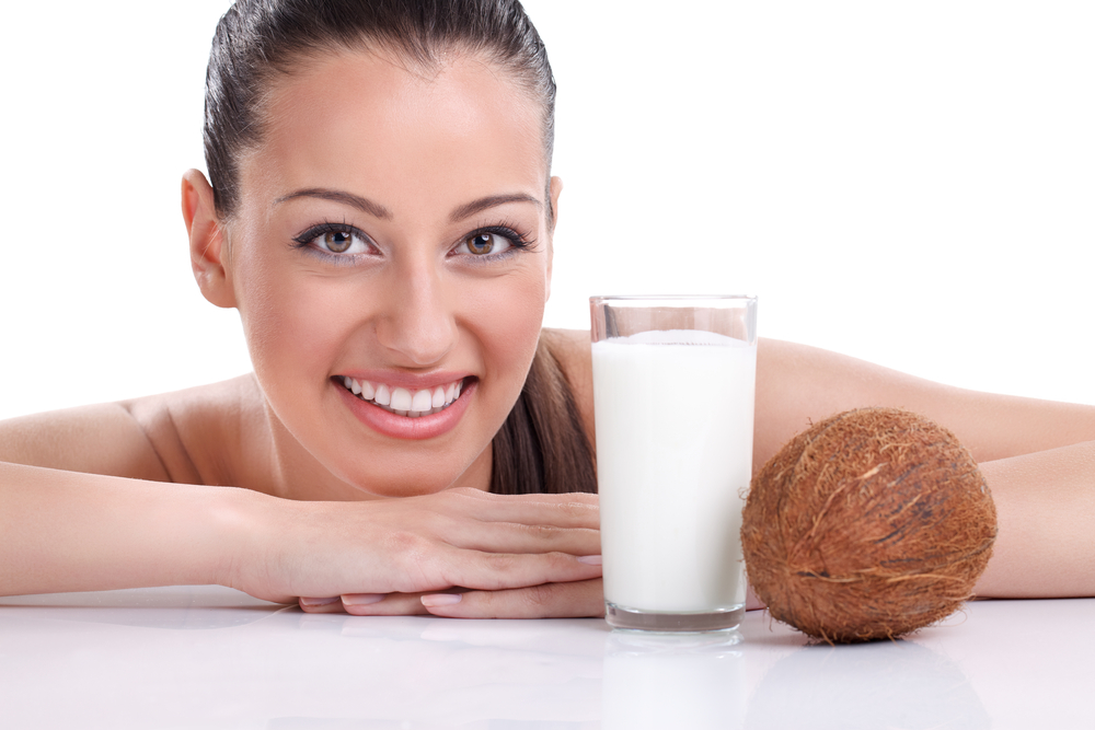 12 Amazing Benefits of Coconut Milk For Hair, Skin, and Health ...