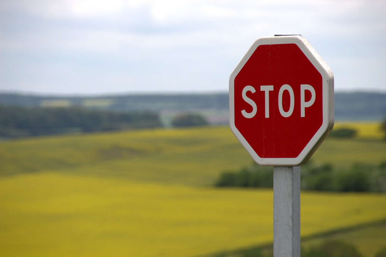 stop-634941_1280.jpg
