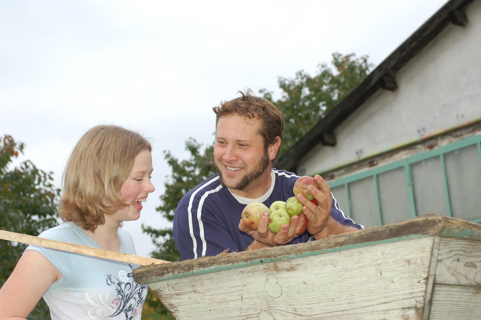 finding local vegans, talk to local vegans, local vegan places, local vegan tours