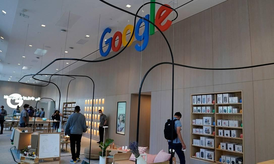 Interior da Google Store, em Nova York Foto: TIMOTHY A. CLARY / AFP