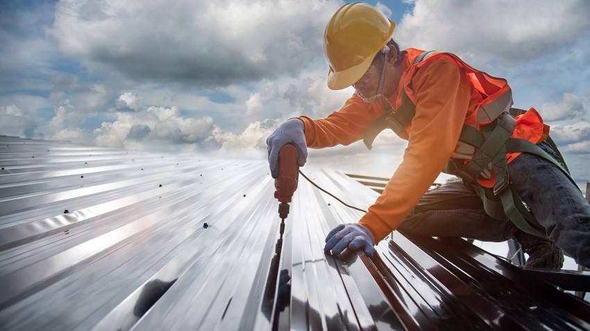 Gia cố hệ thống đinh vít mái tôn giúp kéo dài tuổi thọ của công trình