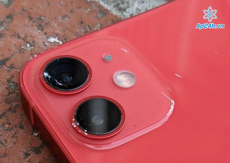 Ống kính iPhone 12 Mini vỡ nghiêm trọng trong thử nghiệm