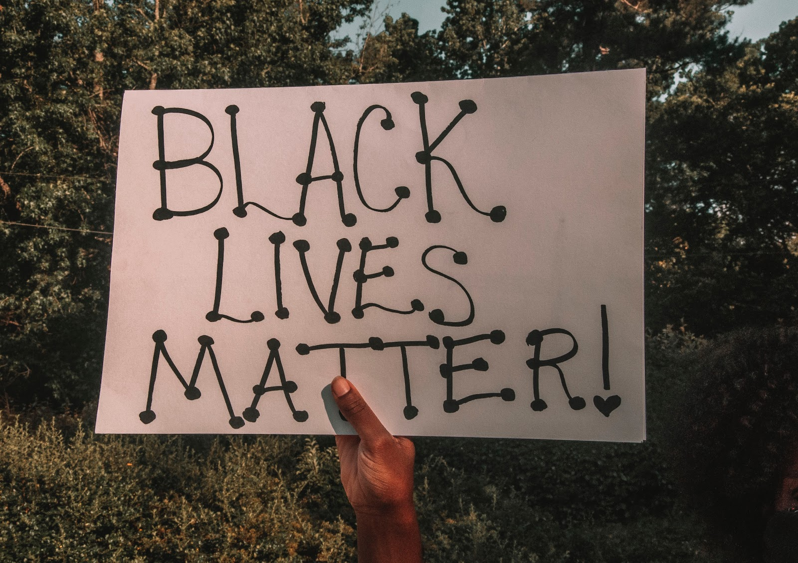 "A sign ""Black Lives Matter"""