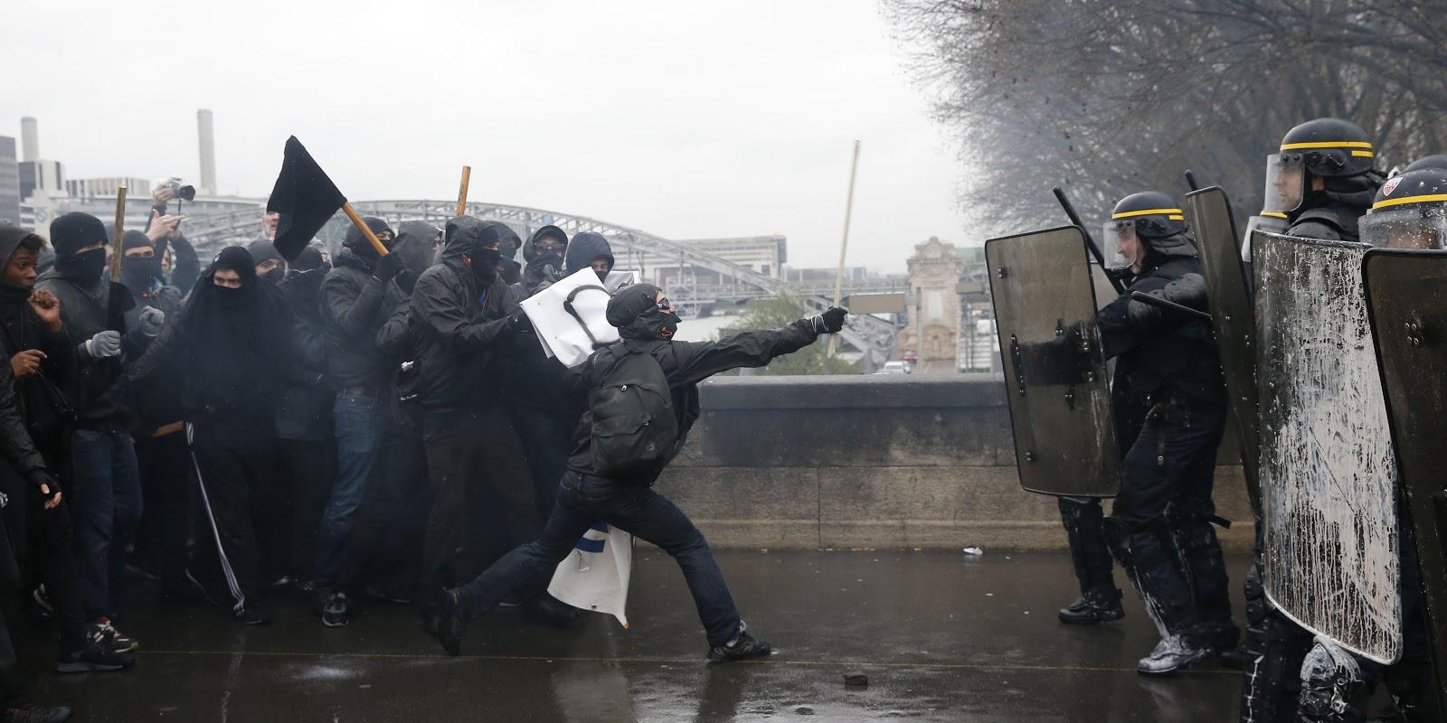 4893315_3_6040_french-riot-police-confront-protesters-during-a_99dea1efc7278685928b9ecfa7f81e53