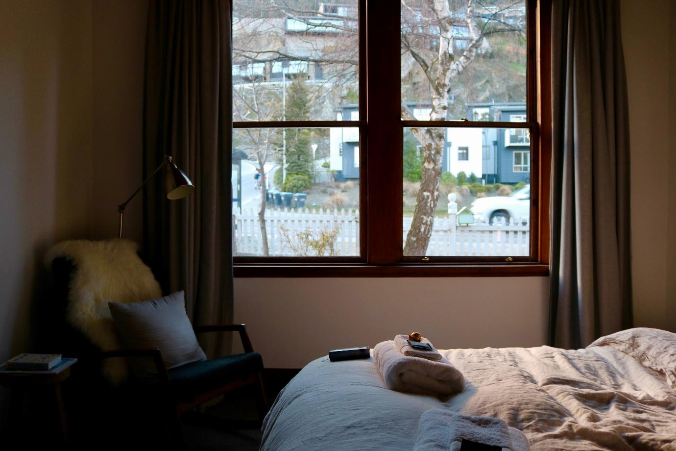 Top 6 Advantages of Organic Bedroom Furniture