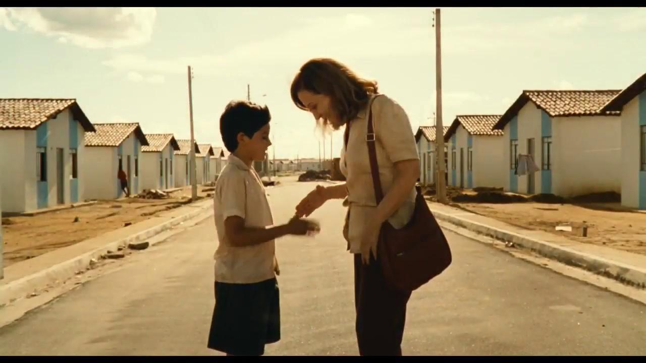 Em 1998, o filme Central do Brasil antecipou o conceito de casas populares que foi expandido pelo Minha Casa, Minha Vida. (Fonte: Filme Central do Brasil/Reprodução)