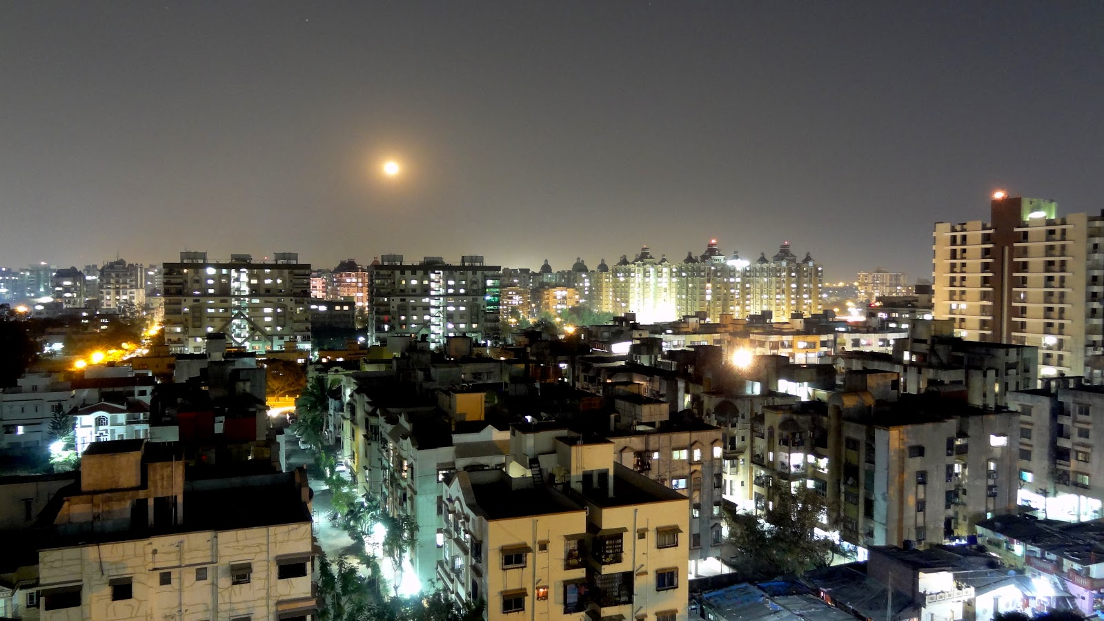 Surat_at_night.JPG