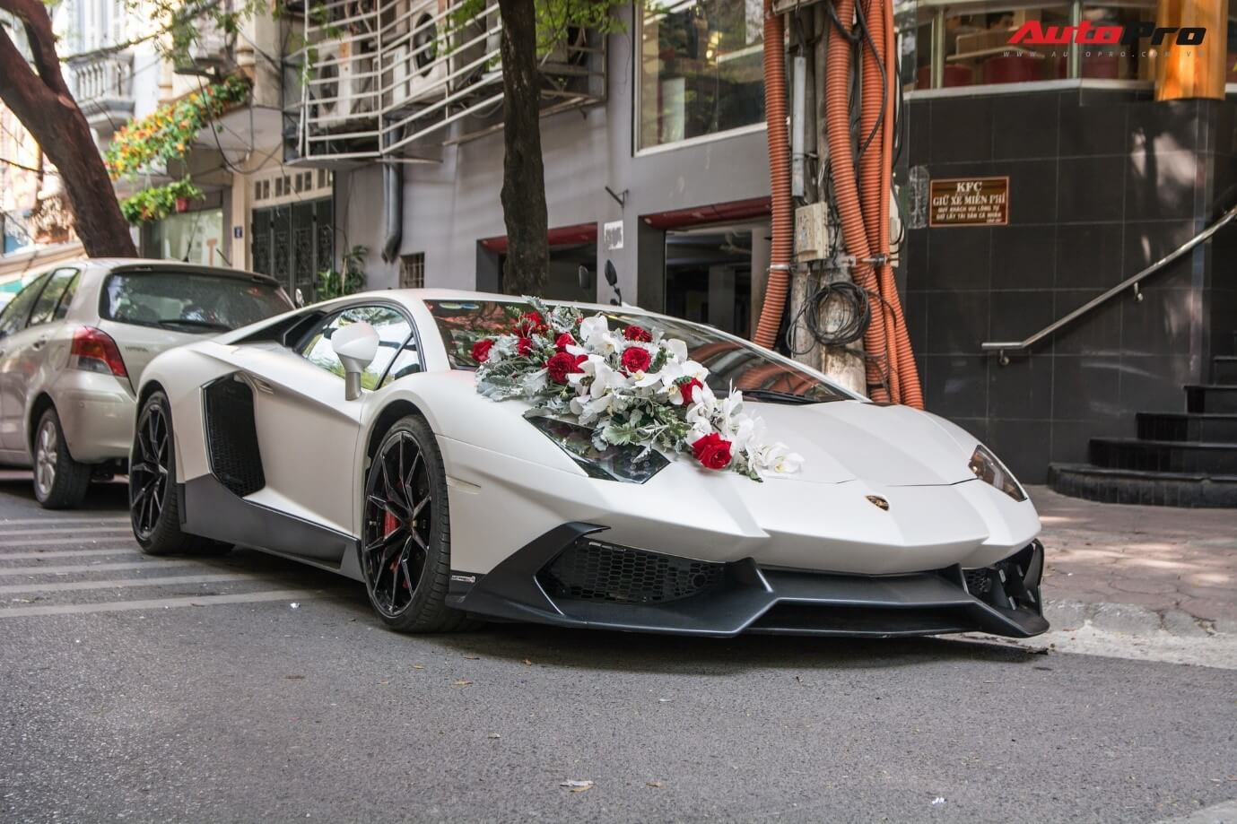 Thuê xe cưới rước dâu TPHCM loại cao cấp, siêu xe