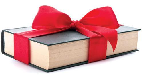 Đừng chỉ coi sách là vật để mua bán, khách hàng muốn nhận nó như một mòn quà
