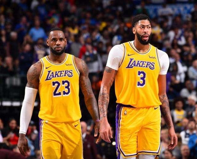 NBA常规赛视频直播:湖人vs火箭詹姆斯、戴维斯强势对阵哈登、威少! - 看球吧