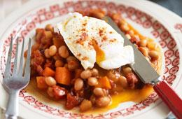 Baked beans and eggs recipe - 5 a day