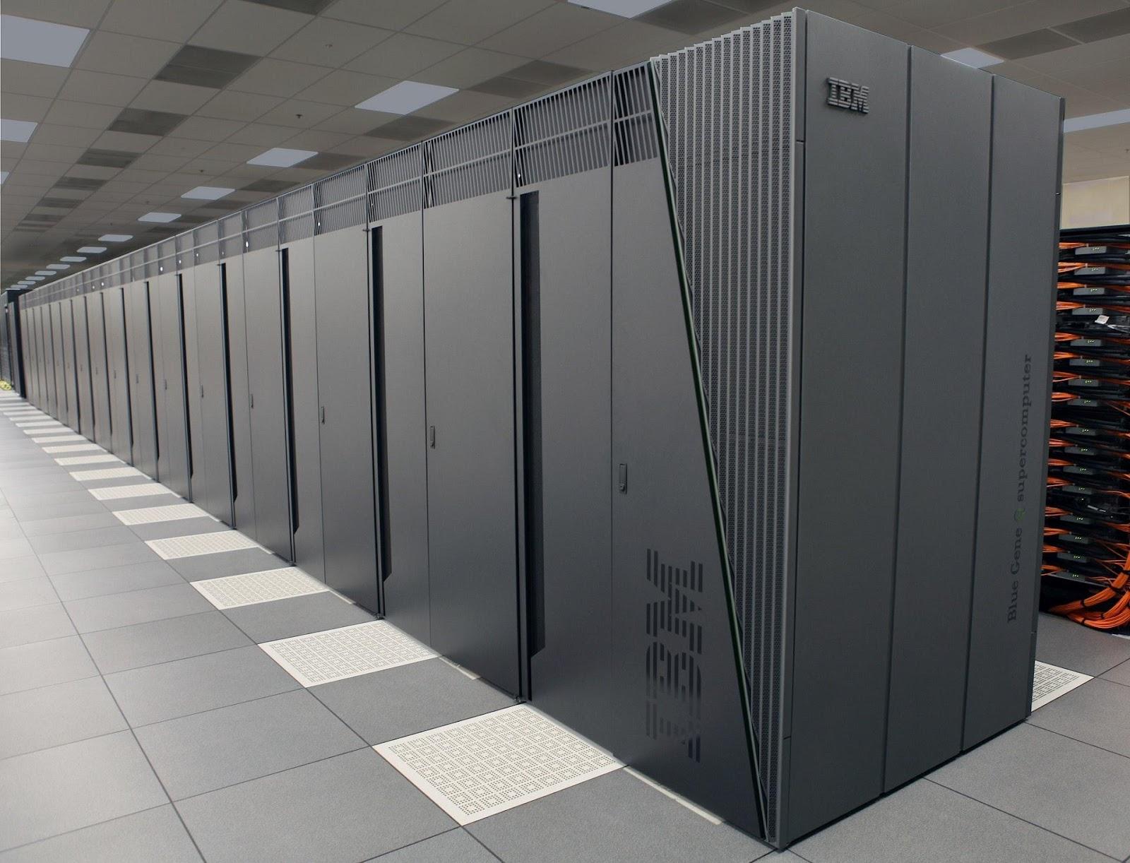 MAC OS X Hard drive:Users:Cazziewee:Desktop:airport-business-cabinets-236093.jpg
