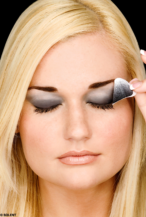 Women's Eye Problem eye makeup Top 5 facts about Women's Eye Problem