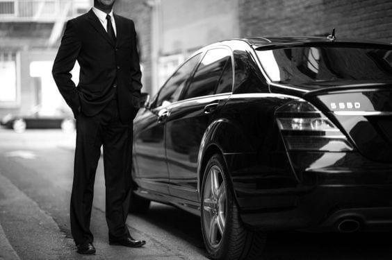 Забронируйте частный такси в аэропорту Пальма-де-Майорка и посетите главные достопримечательности города в роскошном Mercedes