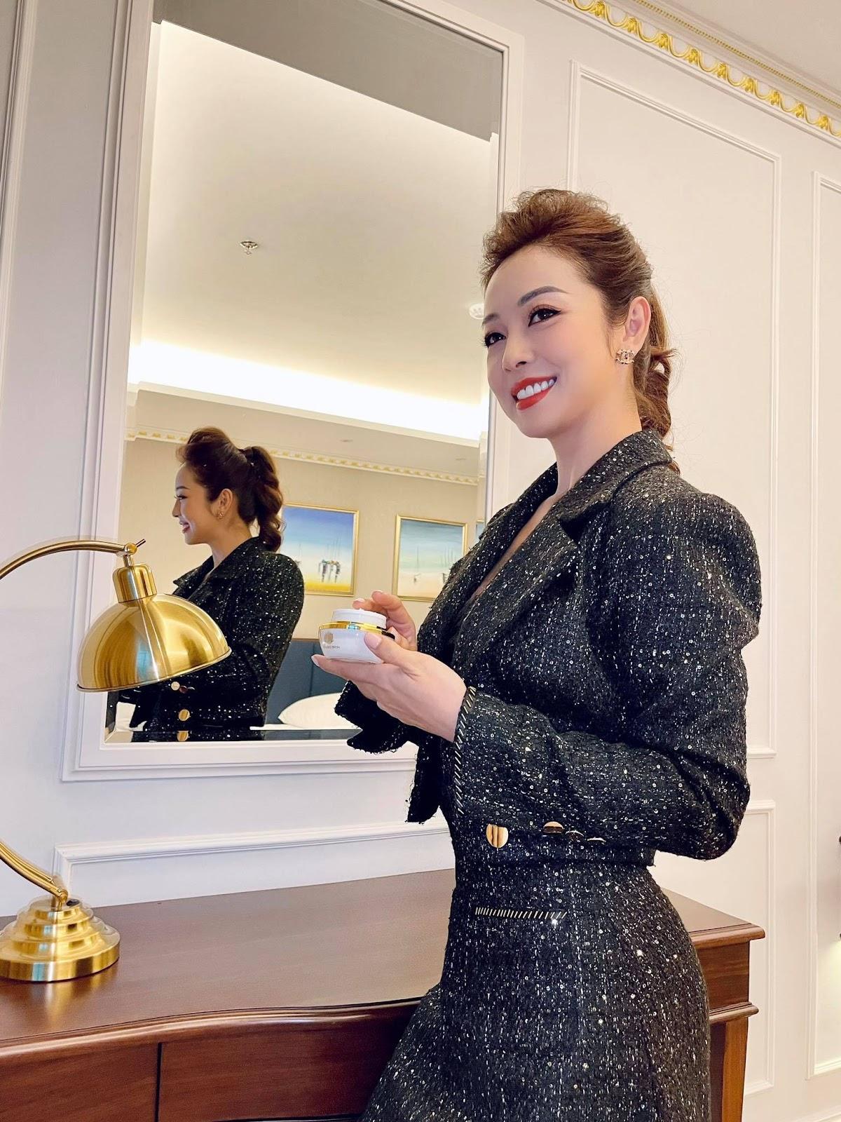 Hoa hậu Jennifer Phạm chia sẻ 4 tips phòng ngừa nám hiệu quả tại nhà - Ảnh 3