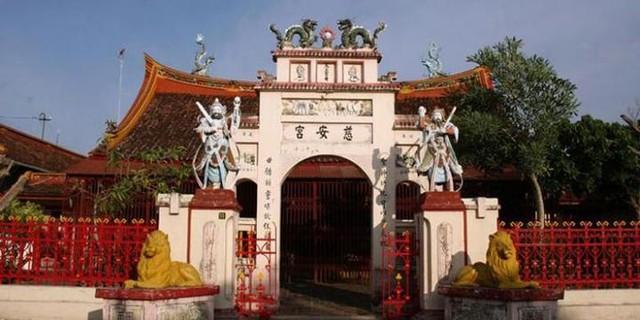 Berwisata ke Kelenteng Cu An Kiong di ''Tiongkok Kecil''