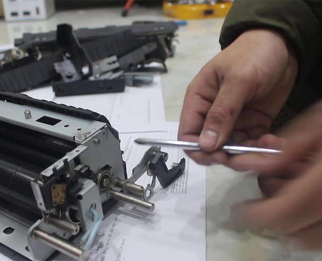 Các bước thay thế cụm sấy của máy photocopy