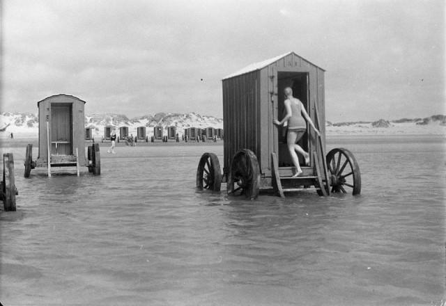 Tengase Presente: Los bañistas en los siglos XVIII y XIX.