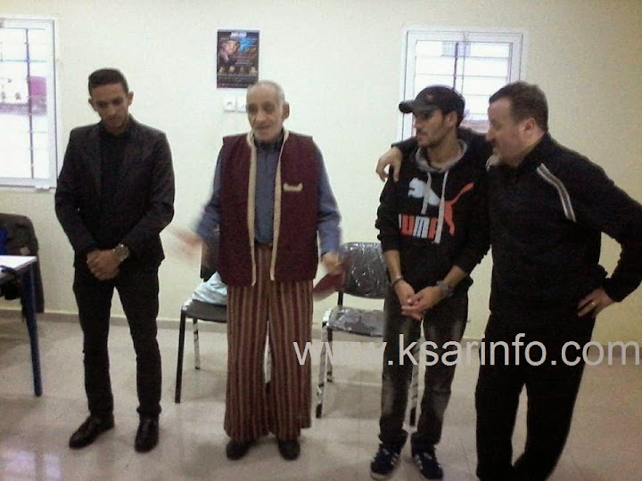 فرقة عبد الرؤوف التونسي تقدم عرضها المسرحي