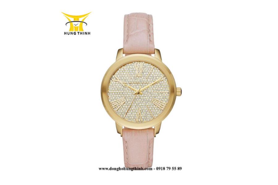 Một thiết kế đồng hồ MK nữ dây da chính hãng khác tại Hưng Thịnh chứng minh cho độ cầu kỳ, thẩm mỹ cao của sản phẩm Michael Kors (Chi tiết sản phẩm tại đây)