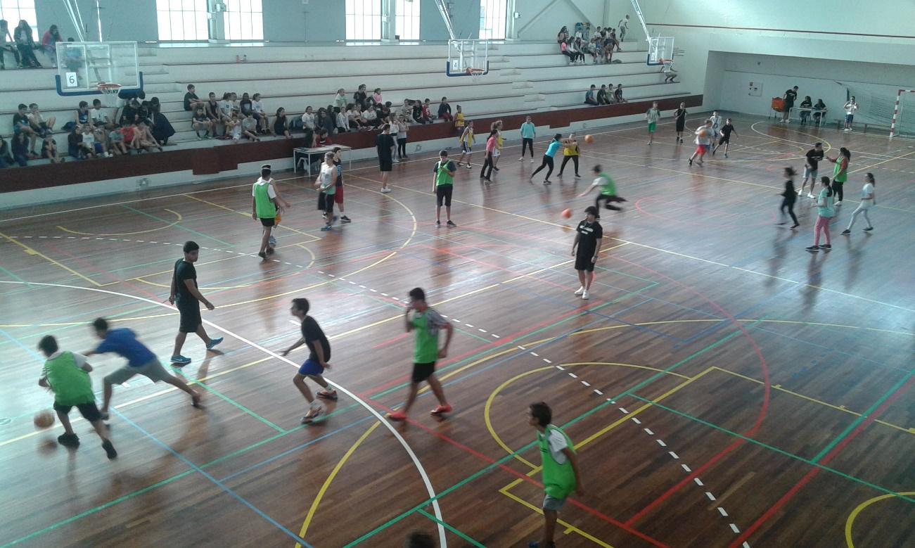 E:\A Rocha Peixoto 2016 2017\Desporto Escolar\Basquetebol\Fotos  5X5\20161103_102339.jpg