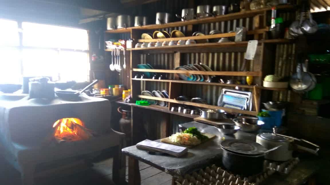 langtang valley trek kitchen