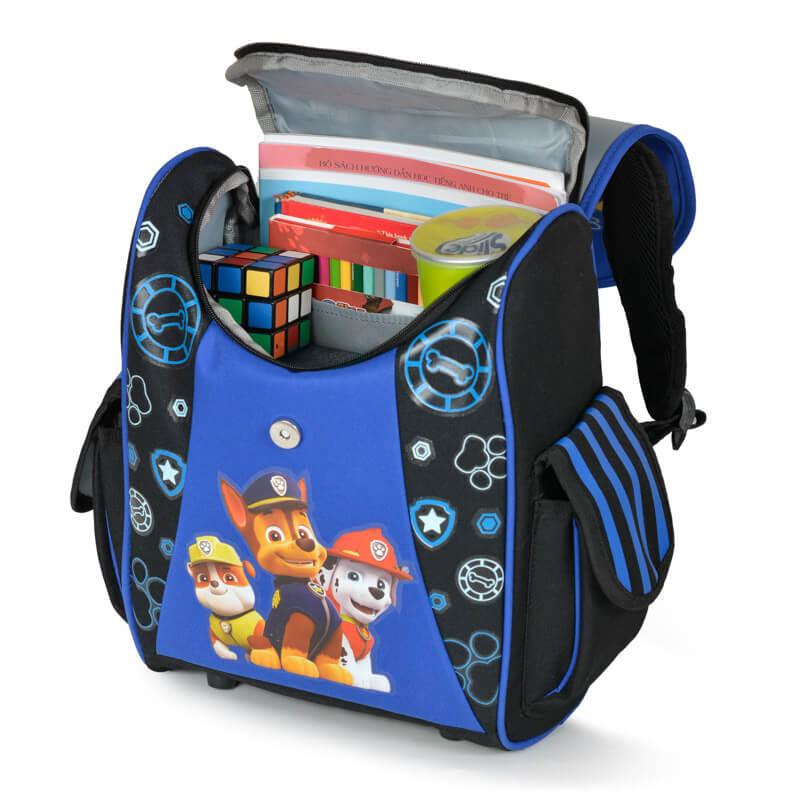 Ngăn chính balo rộng có thể chứa nhiều sách vở, đồ dùng và đồ chơi