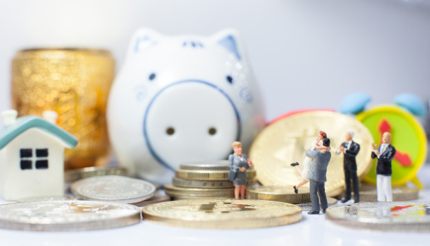 expat saving tips: open a high interest savings account