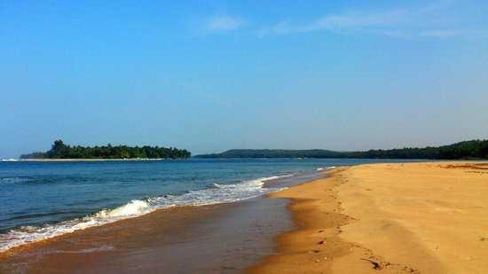 5) Hit the Tarkarli beach for some down time.jpg