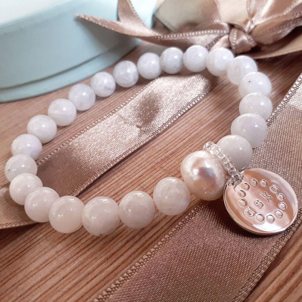 the aska maternity movement bracelet