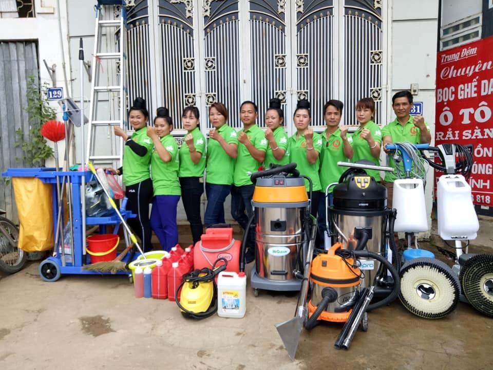 Đội ngũ nhân viên vệ sinh Duy Tuấn