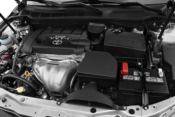 engine-of-the-Toyota-Camry-2010