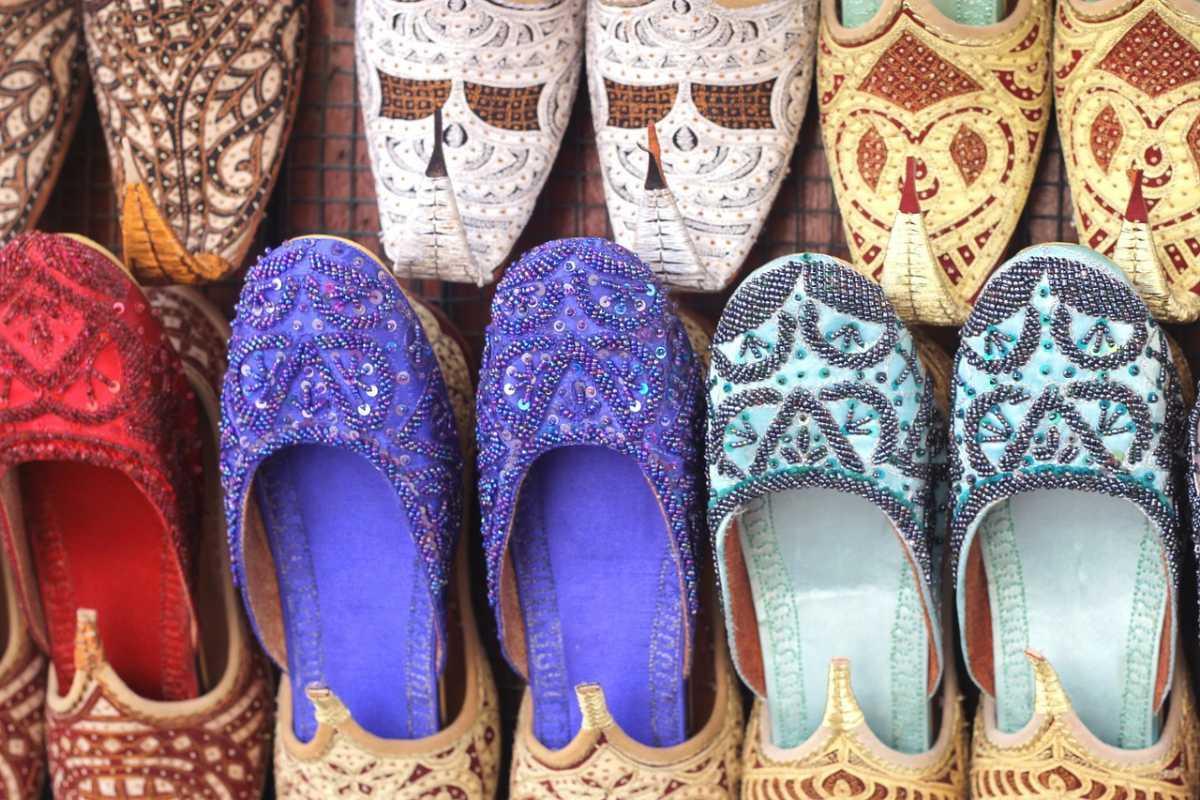 MaxPixel.net-Shoes-Traditional-Arabic-Arab-Dubai-Slipper-1235953_20190723102546.jpg