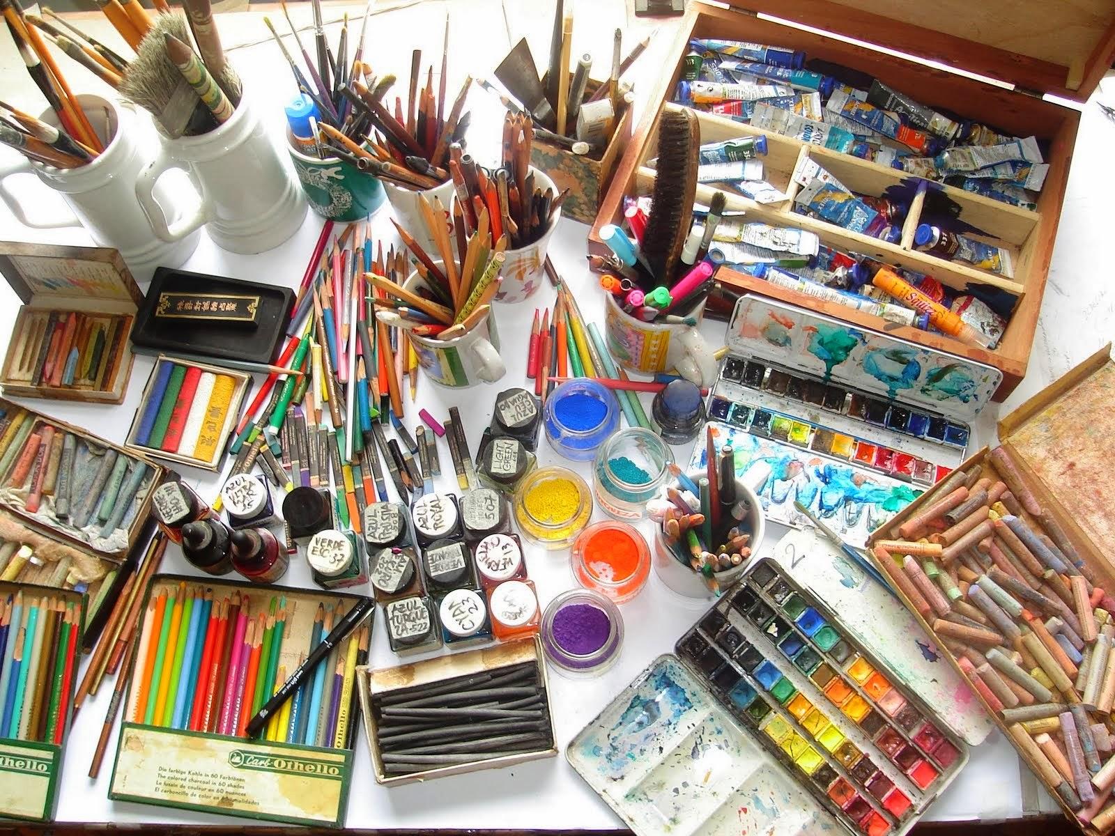 1 materiais-de-desenho-e-pintura-1.jpg