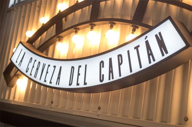 A sign for La Cerveza del Capitan