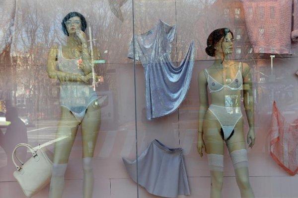 maniquíes, vello púbico, sexual, depilación brasileña, actriz, Locos por Mary, mujeres, selva negra