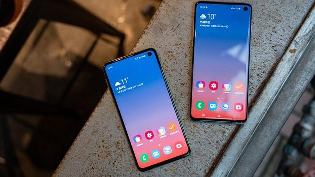 Thay cáp nguồn Samsung Galaxy S10, S10 Plus giá rẻ