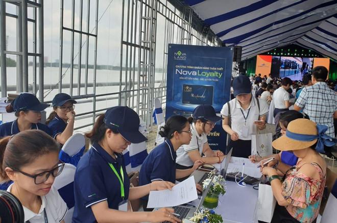 Hon 12.000 luot khach tham quan trien lam BDS Novaland Expo hinh anh 5