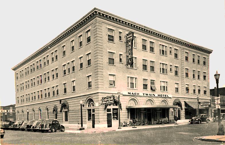 Mark Twain Hotel 1940s.png
