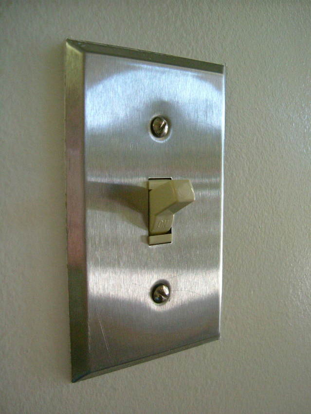 light-switch-2-1536240-639x852.jpg