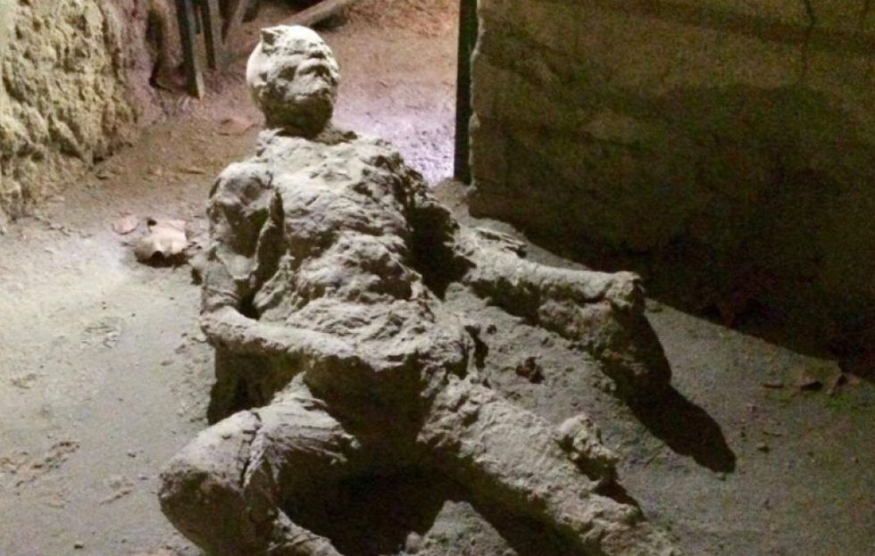 The notorious masturbating man from Pompeii. Less incriminating than he seems, historians argue!