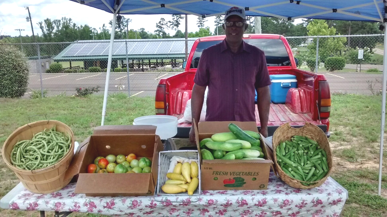 Winston Web News: Farmers Market at Friends of Dean Park