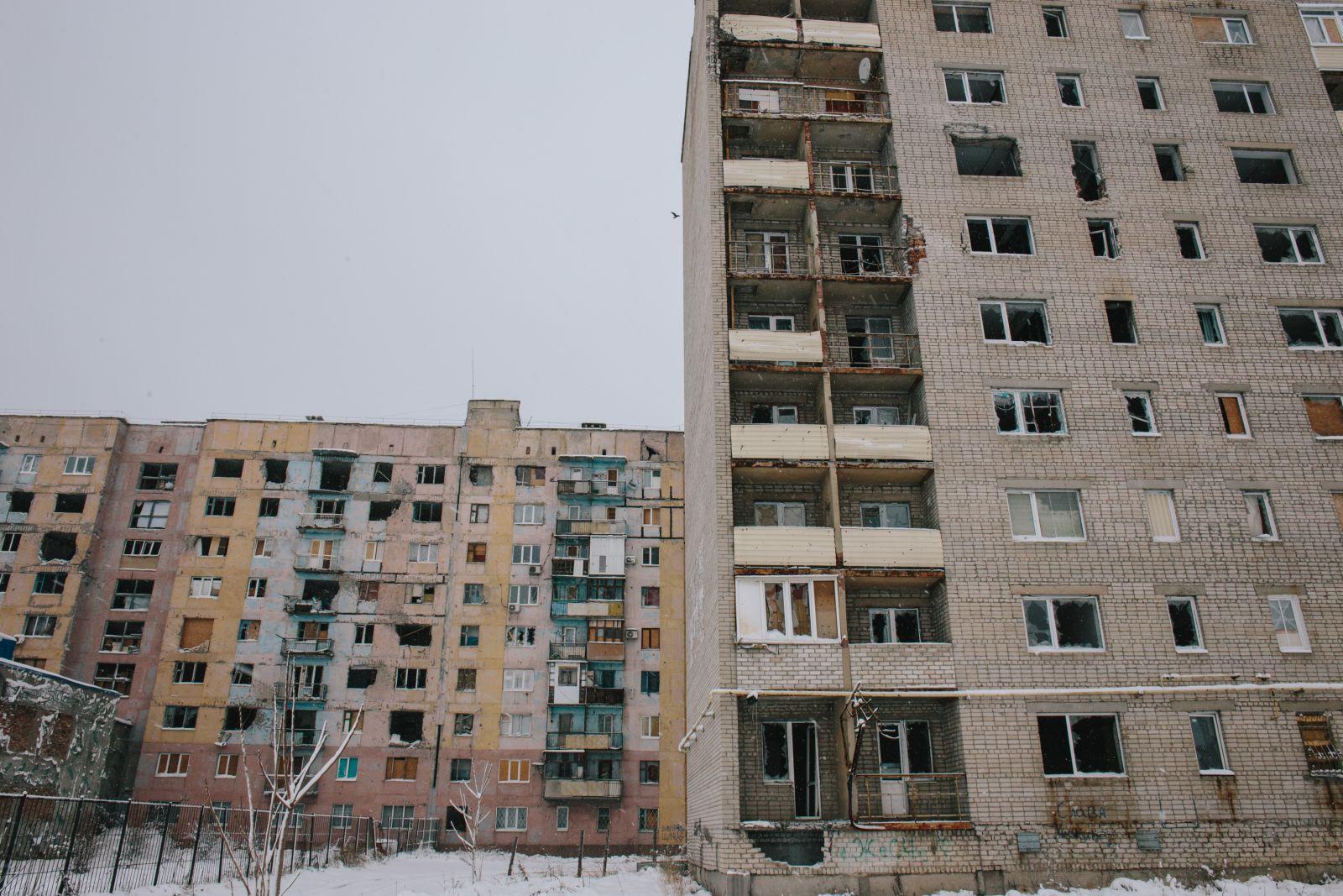 В некоторых уцелевших квартирах до сих пор живут люди