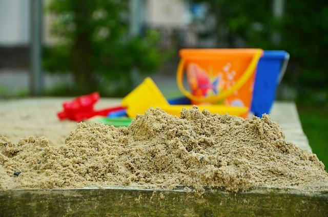 playground-928553_640.jpg