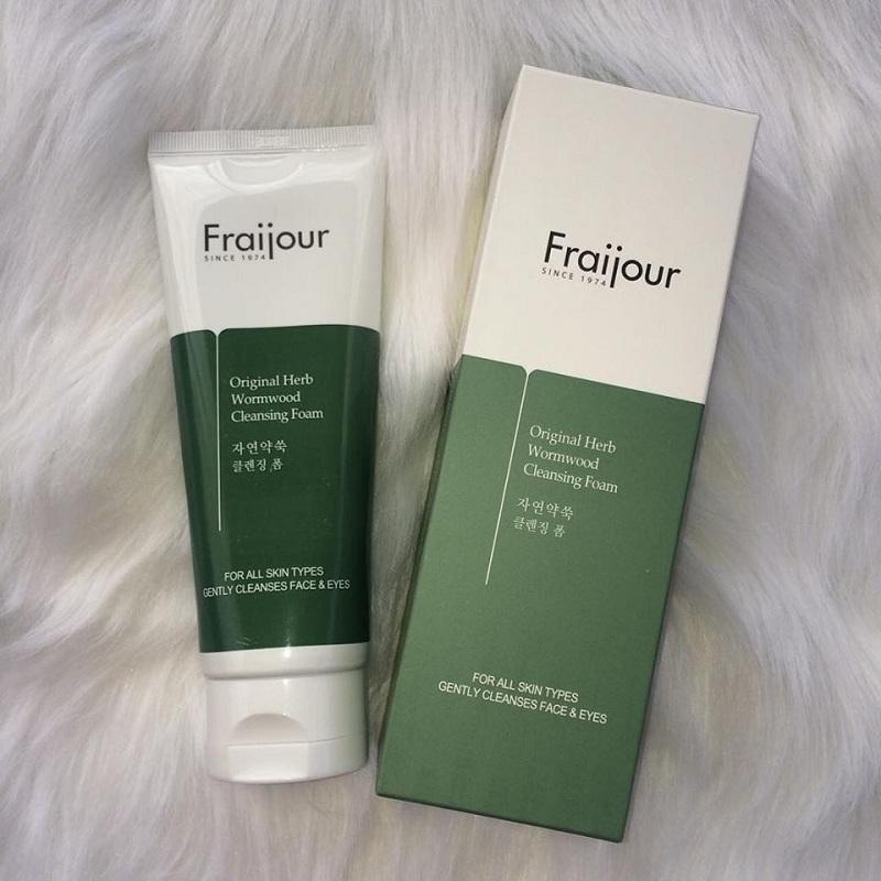 Sữa rửa mặt thương hiệu Fraijour là sản phẩm được rất nhiều chị em phụ nữ lựa chọn