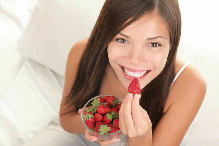 Đau dạ dày nên ăn hoa quả gì và tránh trái cây nào?