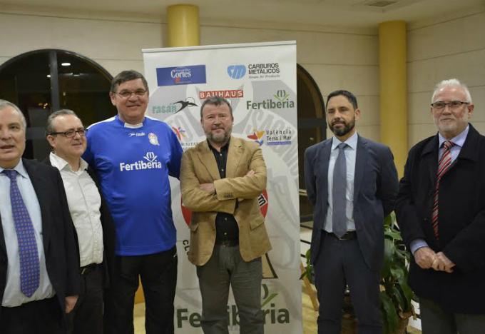 http://eldesmarquevalencia.eldesmarqueporta.netdna-cdn.com/images/stories/201516/Polideportivo/BALONMANO/balonmanosagunto.jpg