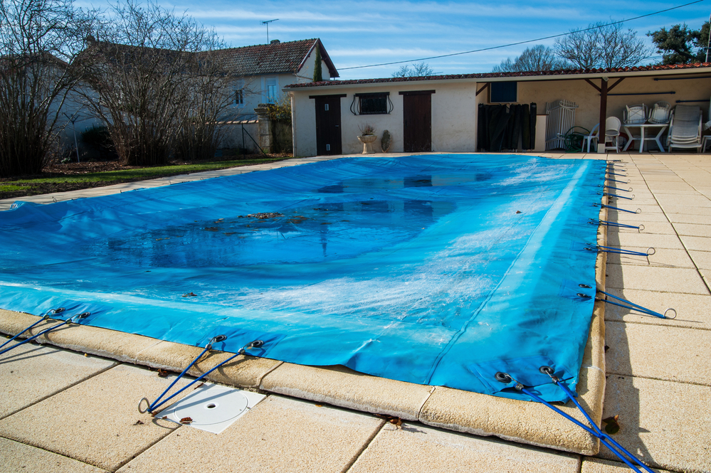 What Can Happen To Your Swimming Pool In Winter What You Should Do About It Distinctive